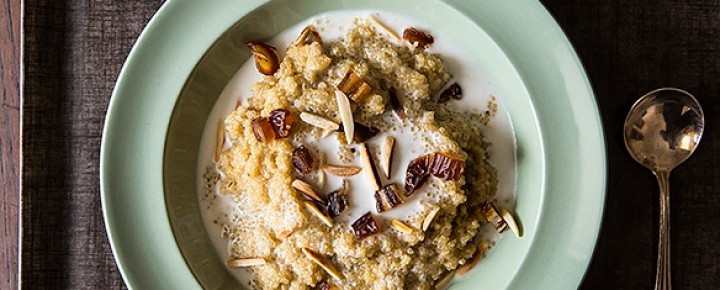 quinoa porridge breakfast bowl