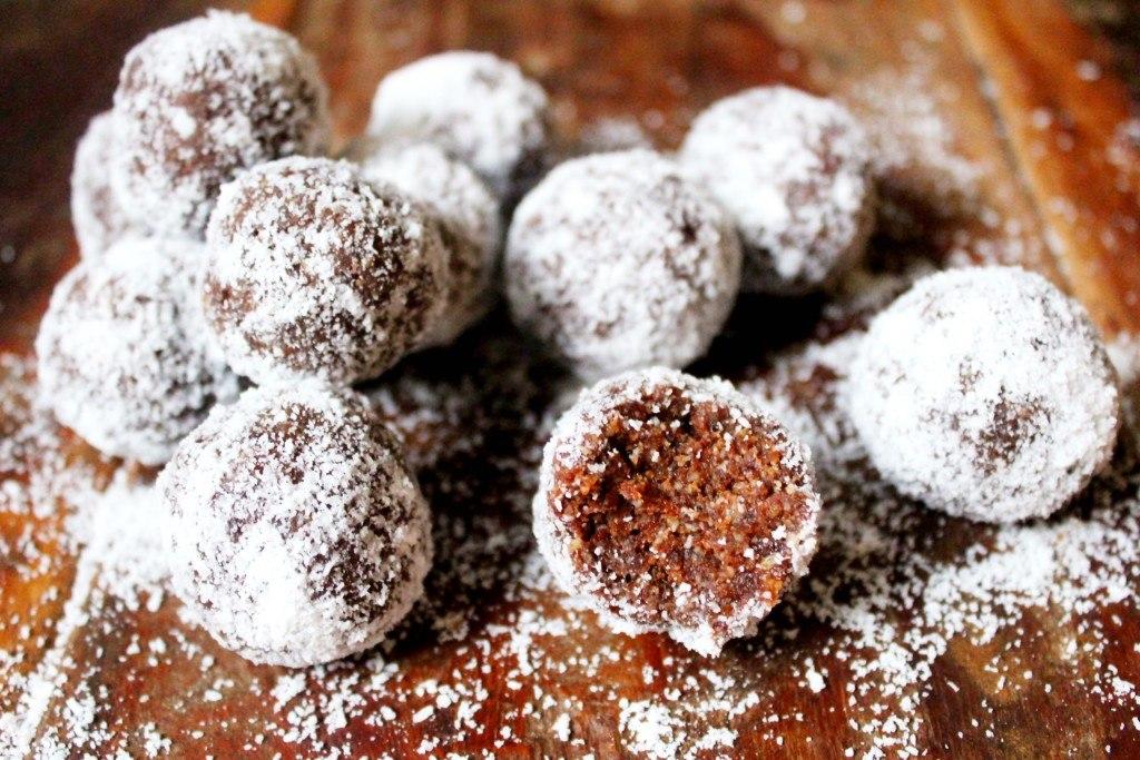 Coconut-Cacao-bon-bon
