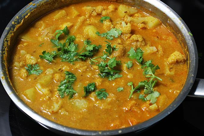 Cauliflower & Turmeric Curry